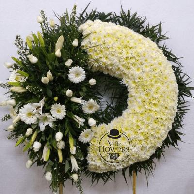 Corona Fúnebre Elegante con Arreglo Floral